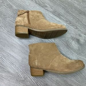 TOMS Leila Toffee Suede Booties Youth Size 4